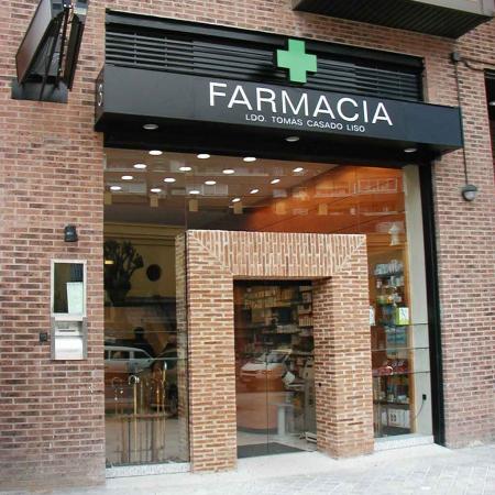 PUERTA FARMACIA