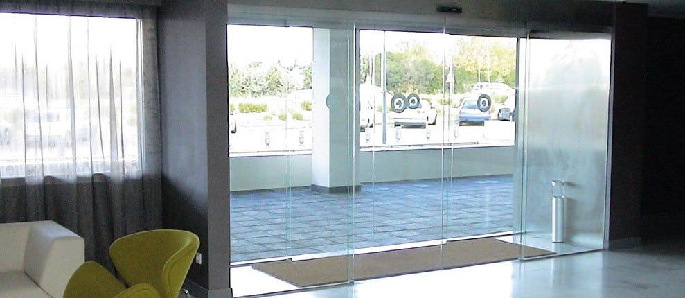 puerta automatica cristal hotel