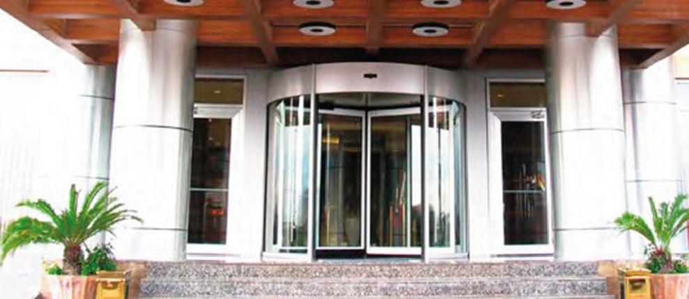 puerta automatica hotel
