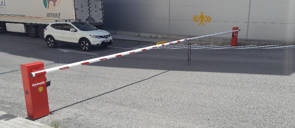 barrera automatica aparcamiento