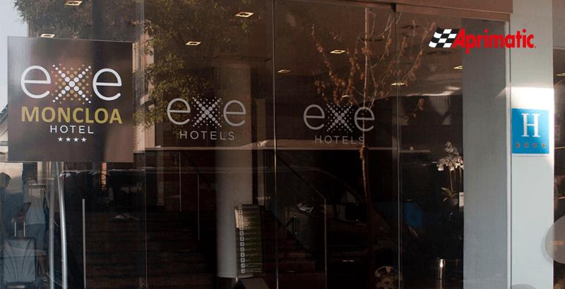 puertas sin contacto contactless para hoteles