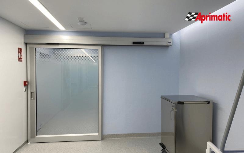 instalacion puertas de hospital