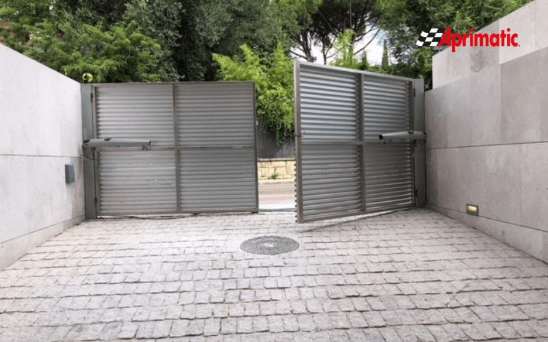 motor puerta garaje batiente o abatible